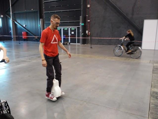 auto-equilibrio monociclo, Airwheel