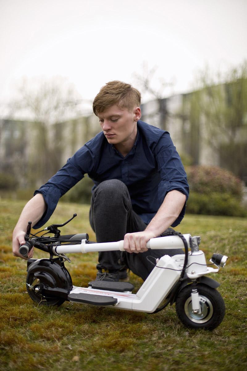 monociclo eléctrico de dos ruedas