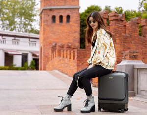 Airwheel SR5 smart luggage
